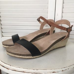 "Merona ""Eve"" Quarter Strap Black & Tan Sandals 9"